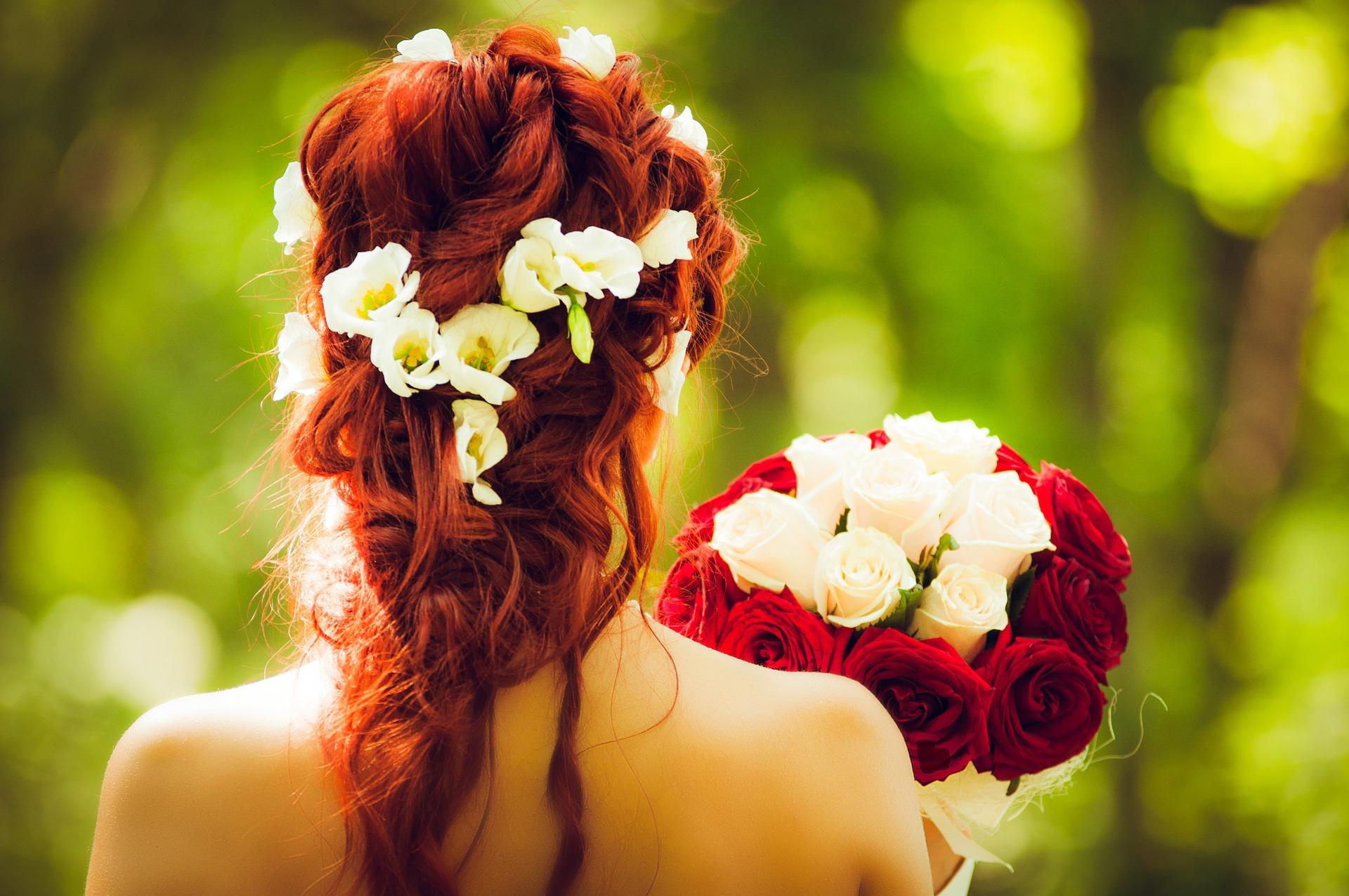 HochzeitsfrisurFür die schönsten Momente im LebenGenießen Sie unseren BRautservice